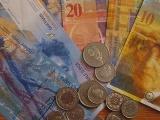 Suiza pagará 2 mil dólares al mes a todos sus habitantes trabajen o no